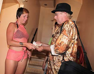 Free Mature Money Porn Pictures