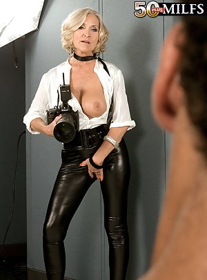 Free Mature Leather Porn Pictures