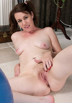 Free Mature Pigtails Porn Pictures